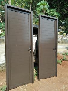 harga pintu panel aluminium per unit