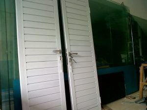harga-pintu-spandrel-aluminium-300×225-1-300×225