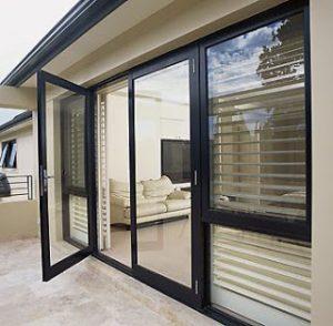 harga-pintu-swing-aluminium-300×294-4