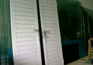 harga-pintu-spandrel-aluminium-300×225-3